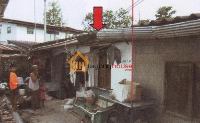 ขายถูก บ้านแฝด1ชั้น ซอยสำราญราษฎร์-มาบทราย เลขที่ 123
